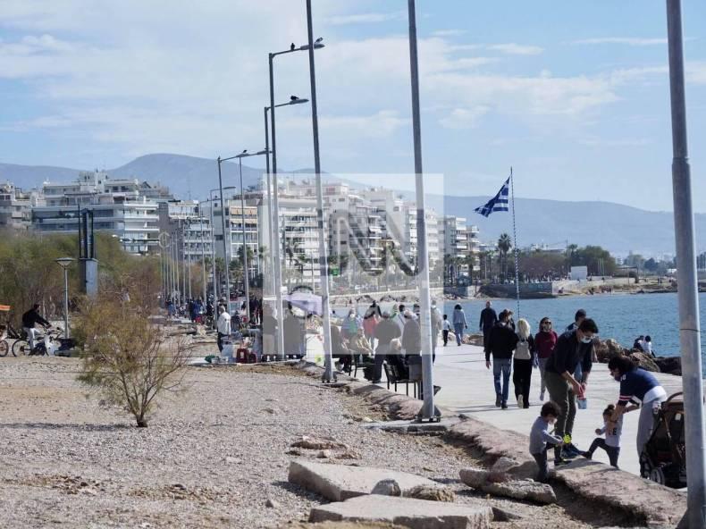 https://cdn.cnngreece.gr/media/news/2021/02/06/253476/photos/snapshot/athinaioi-savvato-floisvos-paralia-5.jpg