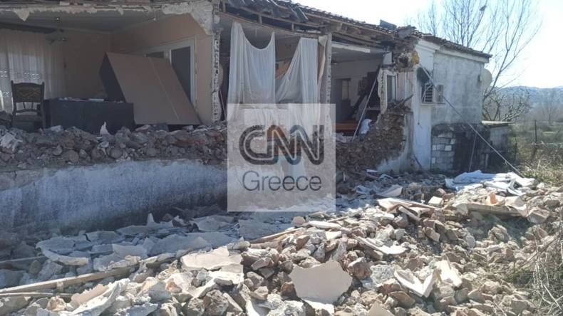 https://cdn.cnngreece.gr/media/news/2021/03/04/256906/photos/snapshot/seismos-mesochori-10.jpg