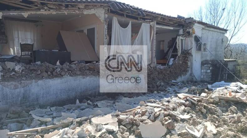 https://cdn.cnngreece.gr/media/news/2021/03/05/257063/photos/snapshot/seismos-mesochori-7.jpg
