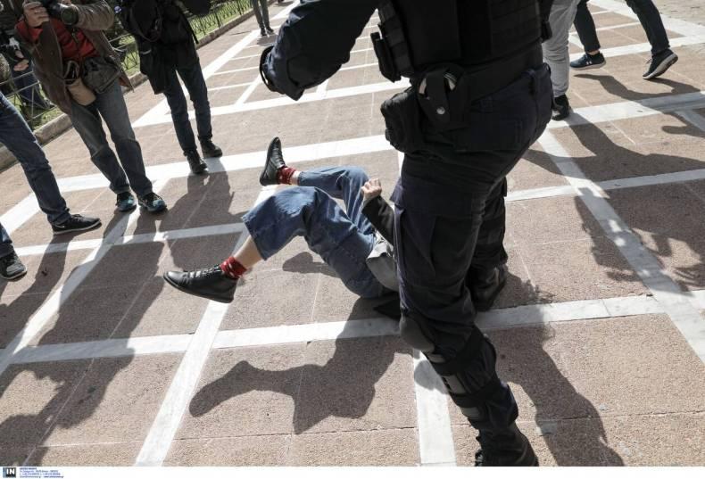 https://cdn.cnngreece.gr/media/news/2021/03/06/257137/photos/snapshot/diadilosi_kentro-5.jpg
