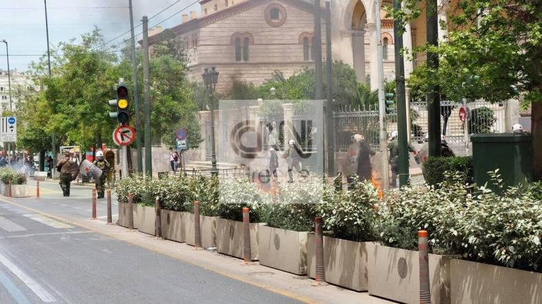 https://cdn.cnngreece.gr/media/news/2021/05/06/264766/photos/snapshot/molotov3.jpg