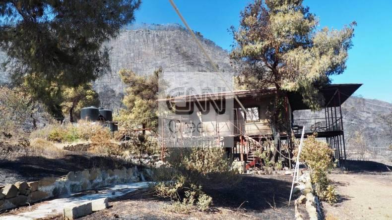 https://cdn.cnngreece.gr/media/news/2021/05/21/266765/photos/snapshot/fotia-sxinos-1-78.jpg