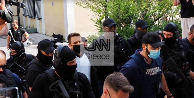 https://cdn.cnngreece.gr/media/news/2021/06/18/270688/photos/snapshot/pilotos3.jpg