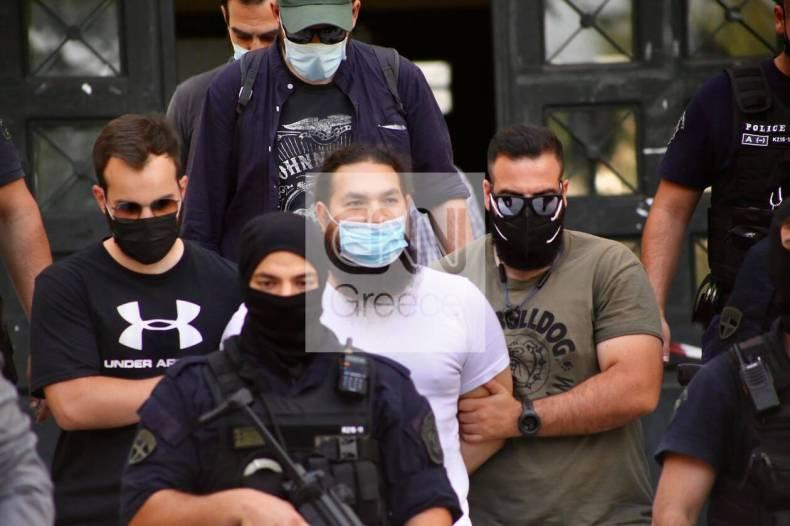 https://cdn.cnngreece.gr/media/news/2021/06/24/271476/photos/snapshot/epithesi_vitrioli_iereas8.jpg