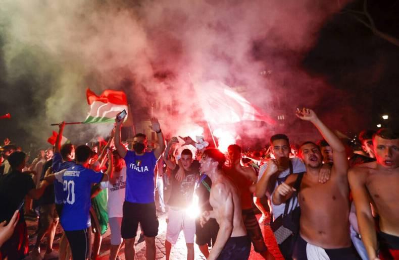 https://cdn.cnngreece.gr/media/news/2021/07/12/273734/photos/snapshot/italia_euro-3.jpg