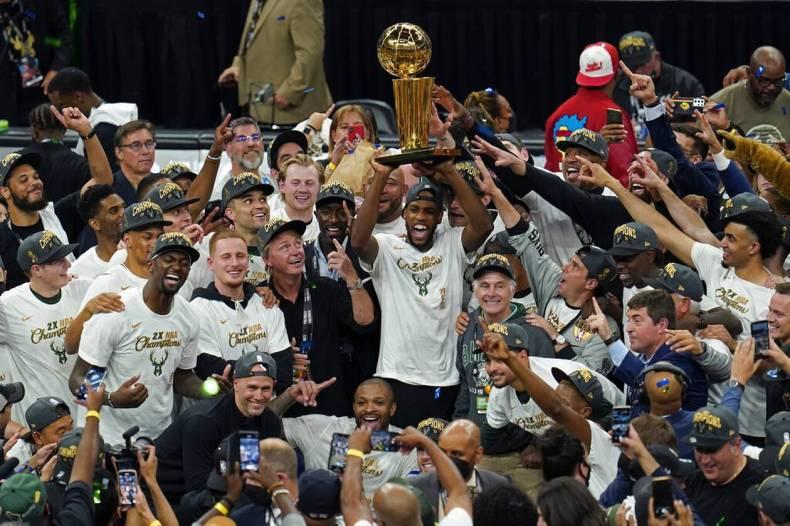 https://cdn.cnngreece.gr/media/news/2021/07/21/274947/photos/snapshot/MPAKS-NBA-TELIKOS-1.jpg