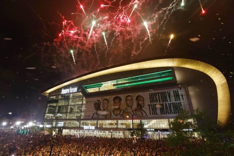 https://cdn.cnngreece.gr/media/news/2021/07/21/274947/photos/snapshot/MPAKS-NBA-TELIKOS-2.jpg
