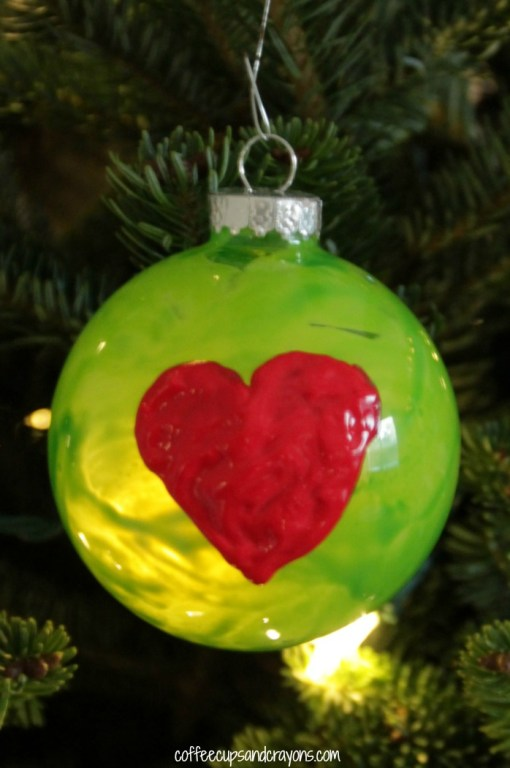 10 tips for a whobilicious grinch night diy grinch ornament via coffee cups