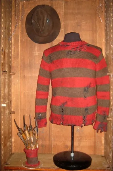 nightmare-on-elm-street-sweater-hat-glove-02