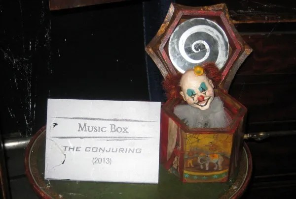 the-conjuring-music-box-02