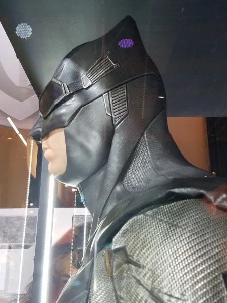 justice-league-batman-costume-new