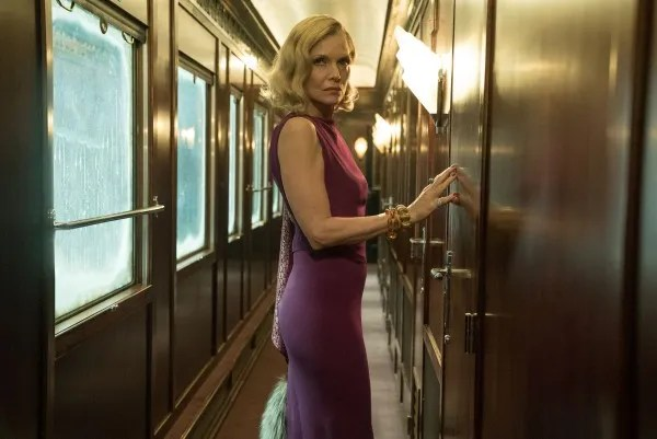 michelle-pfeiffer-murder-on-the-orient-express