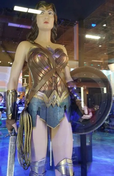 wonder-woman-costume-justice-league
