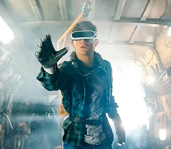 ready-player-one-virtual-reality-rig-goggles-haptic-gloves