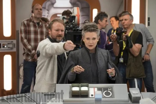 star-wars-8-set-photo-rian-johnson-carrie-fisher