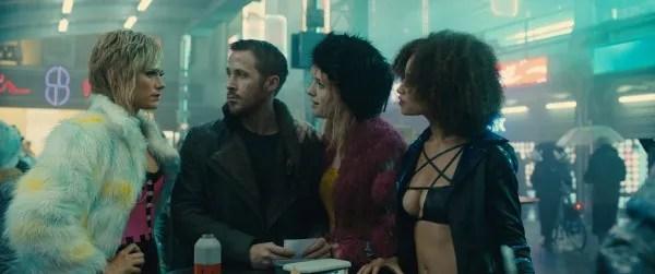 blade-runner-2049-ryan-gosling-mackenzie-davis