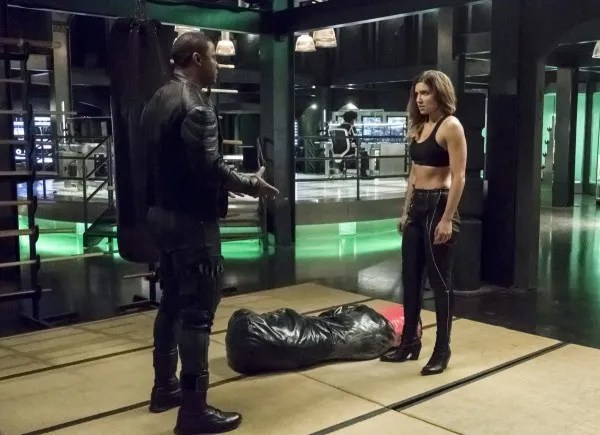arrow-season-6-deathstroke-returns-image-1
