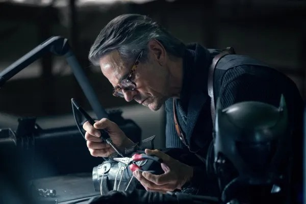 justice-league-jeremy-irons