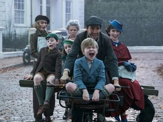 mary-poppins-returns-lin-manuel-miranda-emily-blunt-1