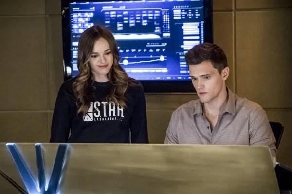 the-flash-season-4-run-iris-image-16