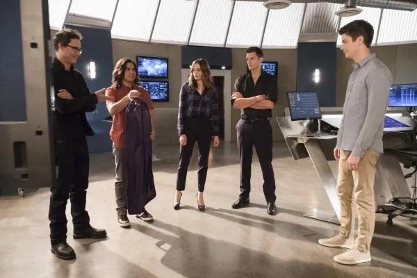 the-flash-season-4-run-iris-image-17