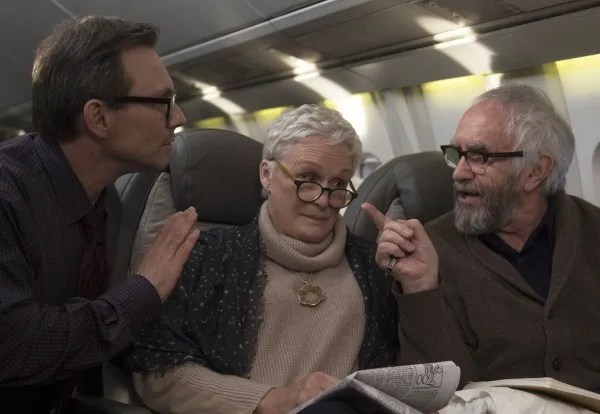 the-wife-christian-slater-glenn-close-jonathan-pryce