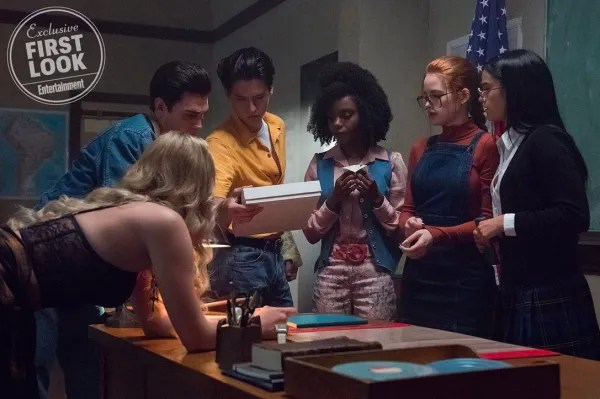 riverdale-season-3-flashback-ew-3