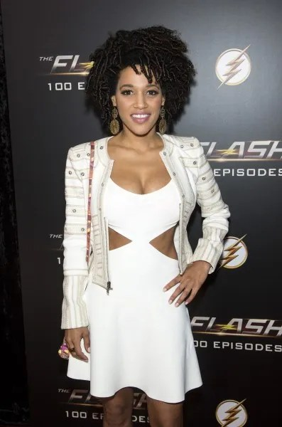 the-flash-100th-episode-red-carpet-images-14