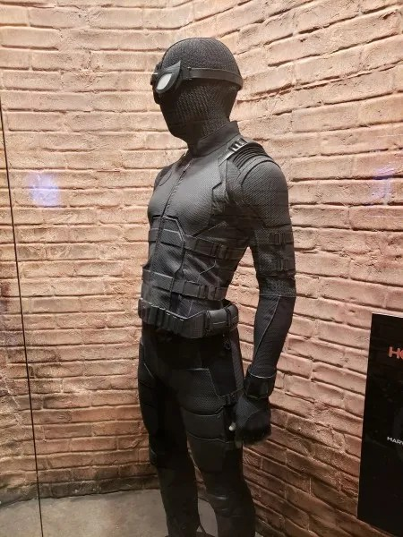 spider-man-far-from-home-stealth-suit-4