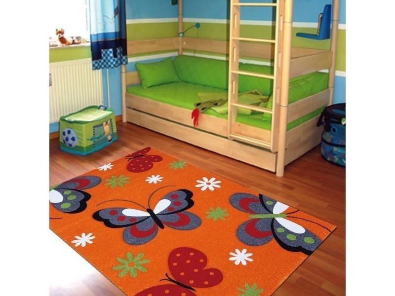 tapis chambre kids papillons orange orange 80 x 150 cm tapis pour enfants chambre par unamourdetapis