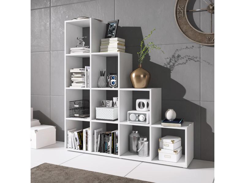 étagère escalier livres décoration