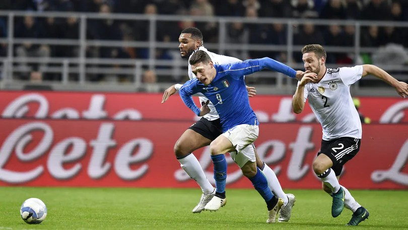 Italia-Germania 0-0, palo di Belotti