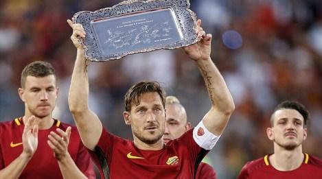 Roma, Totti torna in campo per Kaladze