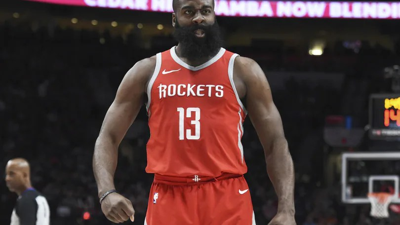 Harden doma i Pistons, 46 punti in 28' per Walker