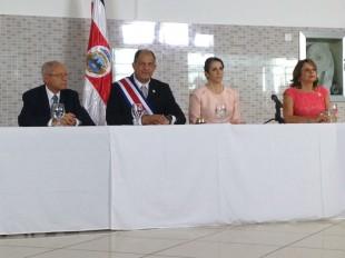 De izquierda a derecha, Helio Fallas -vicepresidente-, el Presidente Luis Guillermo Solís, la Primera Dama Mercedes Peñas y Ana Elena Chacón -vicepresidente-. CRH