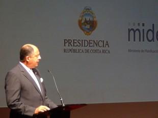 El Presidente volvió a mencionar la necesidad del presupuesto, para ejecutar las metas. (CRH)
