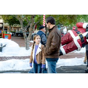 Christmas In Homestead Hallmark.Ritzy Crew Hallmark About Homestead Cast Homestead Cast