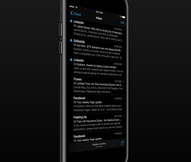 This Dark Mode Iphone 7 Might Make Darth Vader Squee