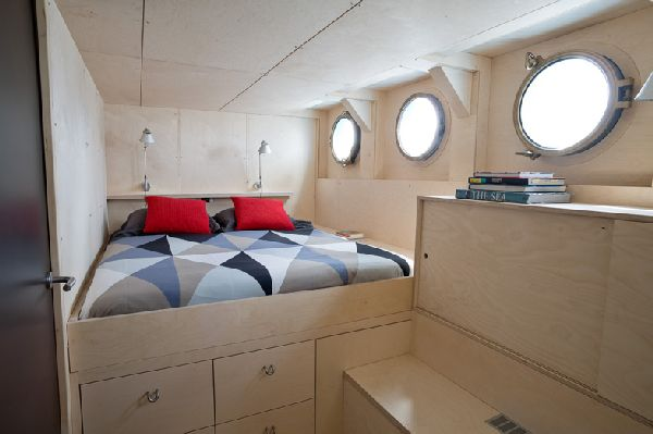 Qrooz Yacht Interior Design Of A Luxurious Home On Water