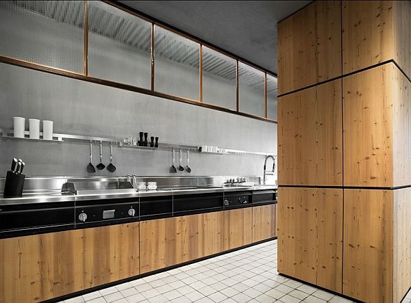 Natural Skin Kitchen Furniture Minacciolo