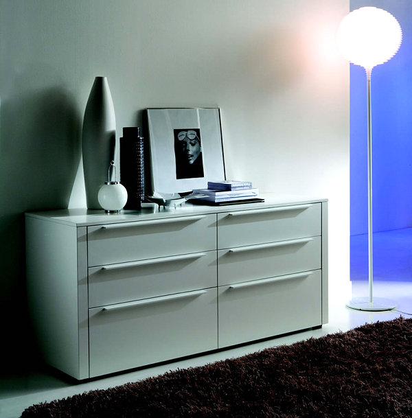 Lacquer Italian Bedroom Furniture