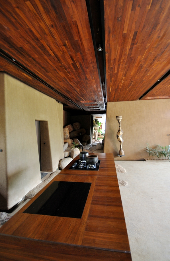 South Indian Retreat Combines Cool Local Architectural