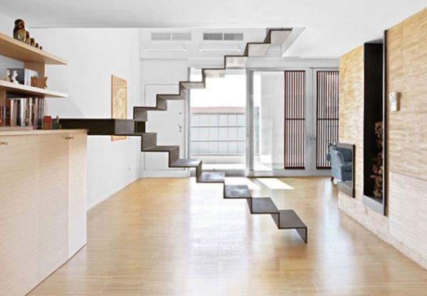 Fragile appearance of this floating staircase makes it a scare for the faint-hearted