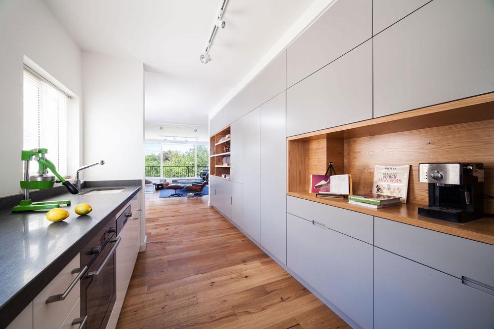 White Kitchen Floor Ideas
