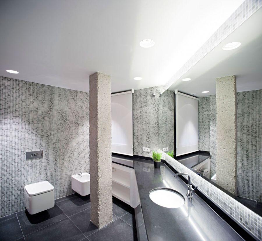 Brilliant Spanish Duplex Employs Inventive Floor Plan And