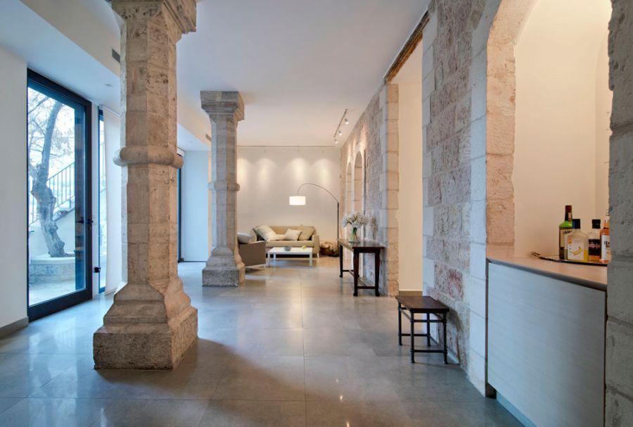 Jerusalem Apartment Where Modern Minimalism Meets Old