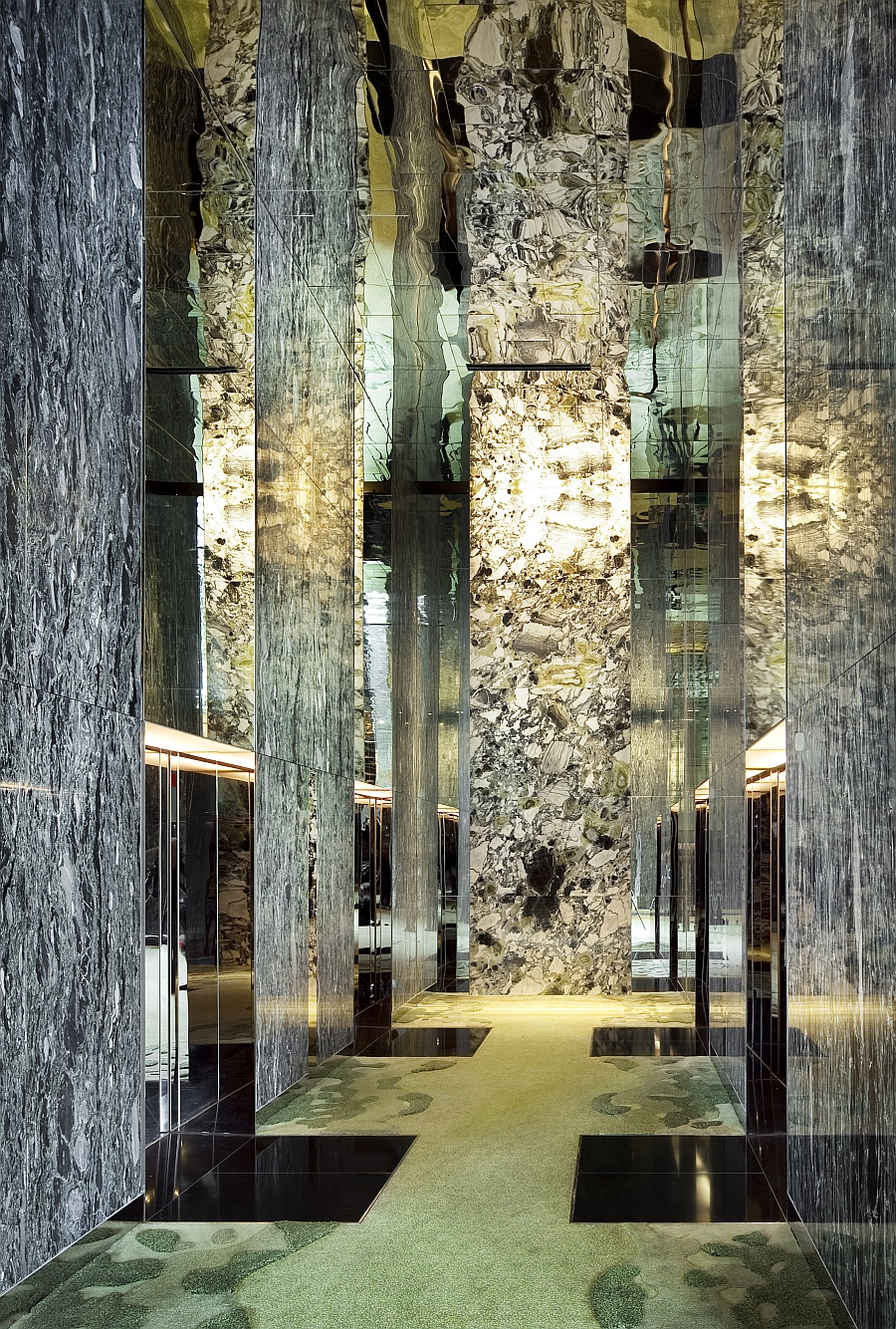 Breathtaking Green Hotel In Singapore Showcases