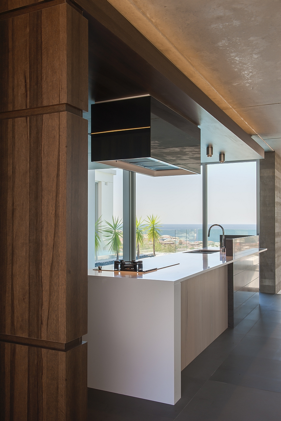 Contemporary Kitchen In Sydney Blends Cutting Edge Style