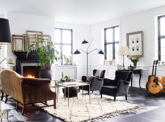 View In Gallery Warm And Inviting Living Room