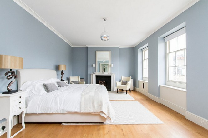 View In Gallery A More Serene And Soothing Roach To The Blue White Bedroom Design